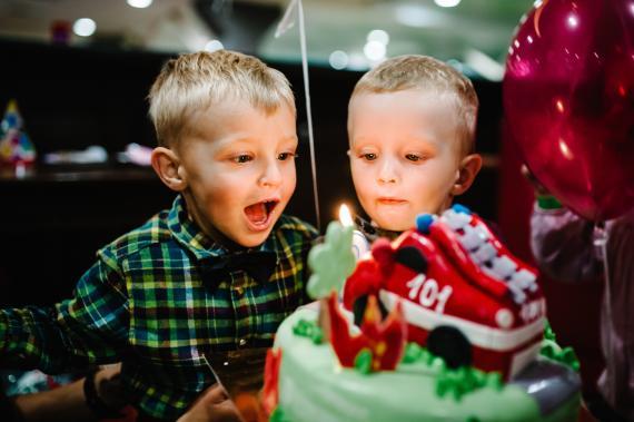 Arrivée de bébé: comment gérer la jalousie de l'aîné?