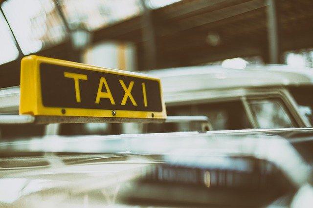 Pourquoi choisir un taxi comme un moyen de transport?