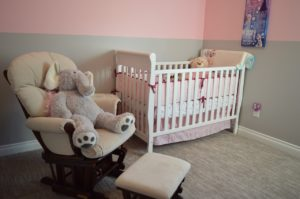 Quel revêtement mural choisir pour la chambre d'un bébé?