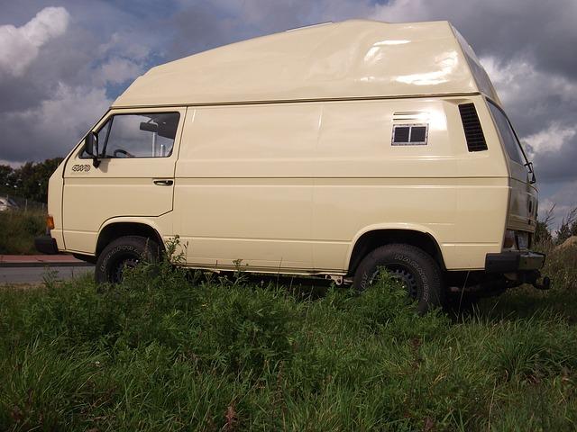 Caravane ou camping-car: quelle option pour des vacances en famille?