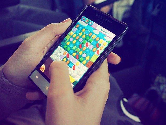 Jeux sur tablette vs jeux traditionnels